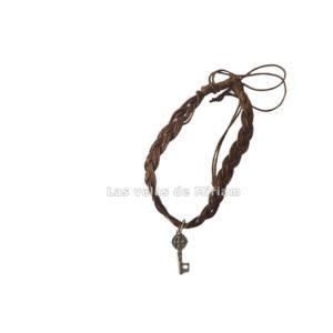 Pulsera hilo color marrón con llave San Benito